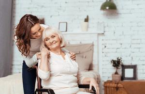 Seniorihoivaa seuranpidosta sairaanhoitoon