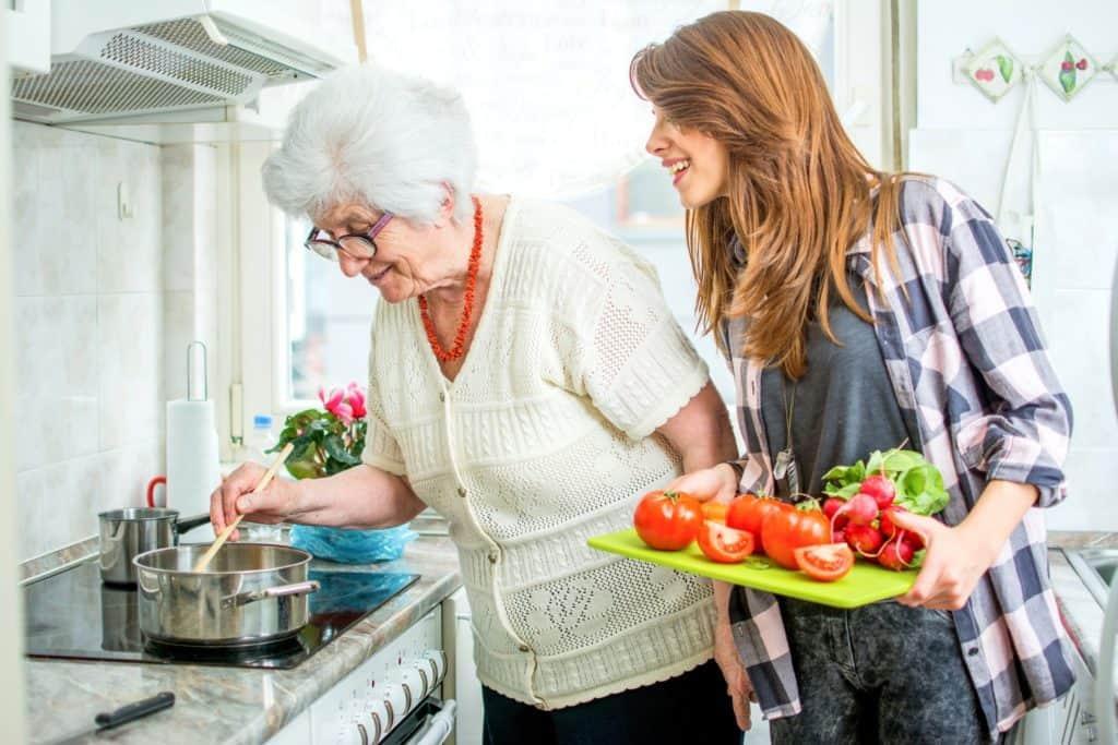 Finlands Seniorvård - Omsorgstjänster - Hemvård - personlig assistent - helsingfors esbo grankulla